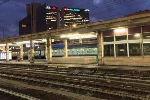Stazione Brignole Treno marciapiedi banchine stazione brignole
