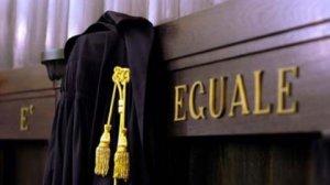 La legge è uguale per tutti giustizia processo tribunale