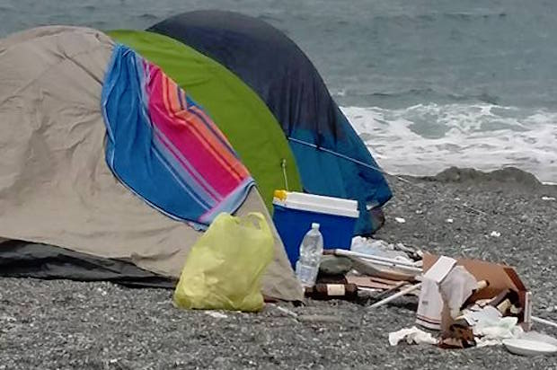 tende spiaggia voltri