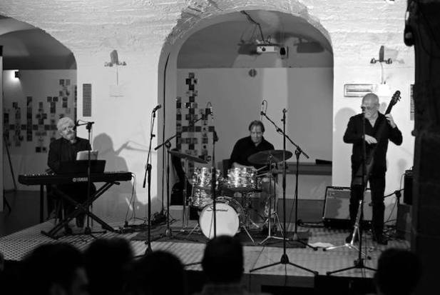 LUIsiana blues trio