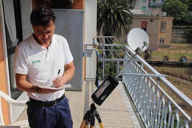misuratore radiazioni telefonini arpa cellulari