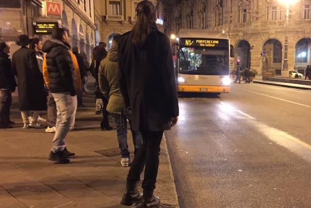 Bus N1 notturno piazza De Ferrari