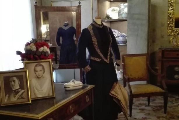palazzo-reale-mostra-segreti-di-regine-e-regine-di-segreti